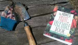 gardening book, Gardening, Yoga and Other Things I Love (A Week in Review)