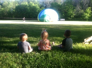 little balloon watchers. Memorial Day, Hot Air Balloons and Other Things I Never Cared About Before Kids