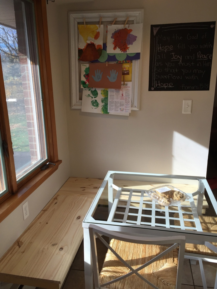 Kitchen Face Lift Phase 2: A Handmade Breakfast Nook